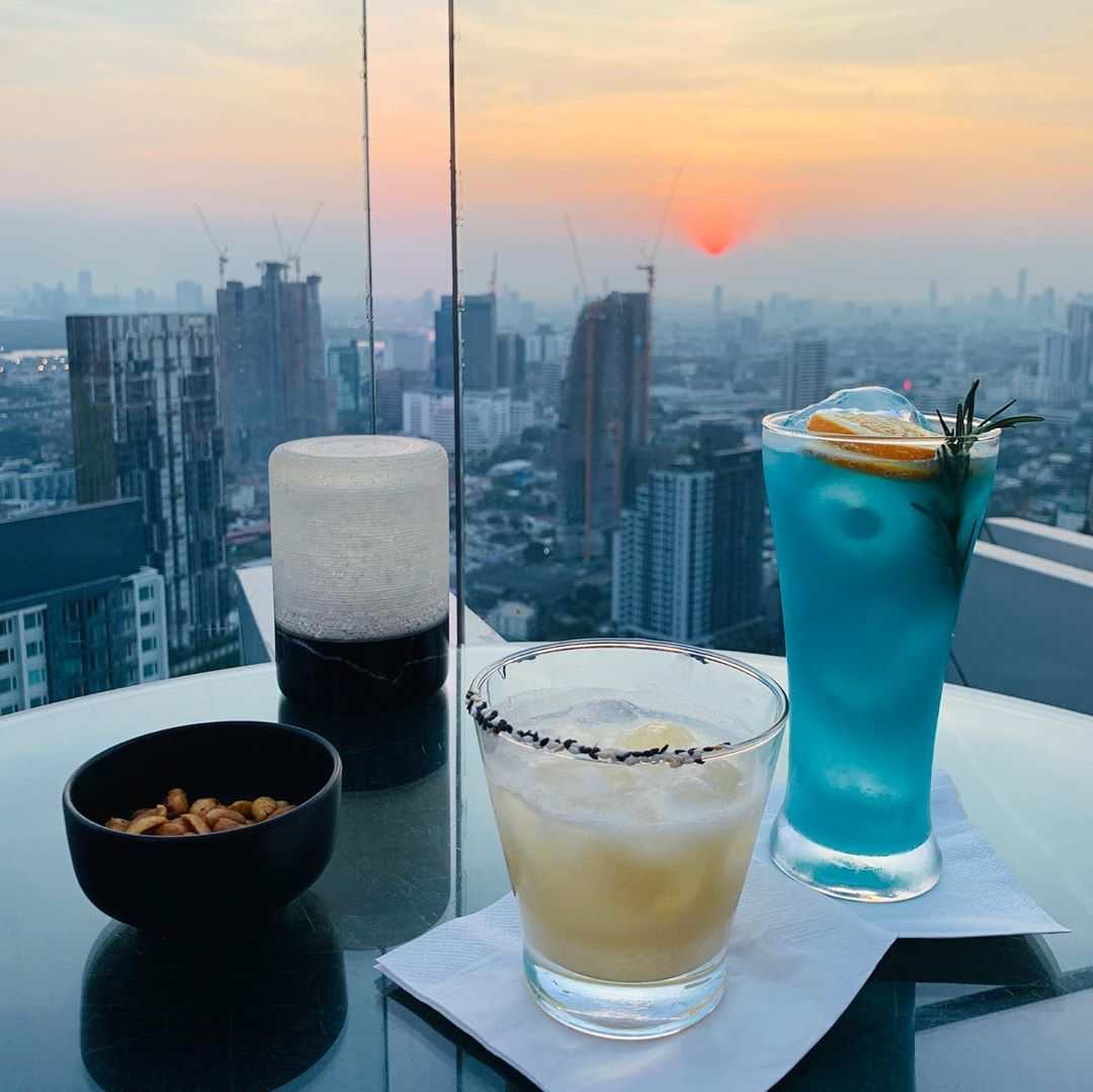 Cocktails and nuts at Octave Rooftop Bar in Bangkok