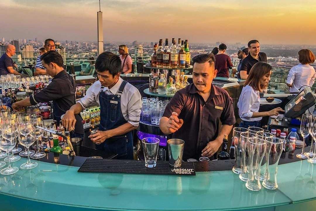 Cocktailshakers bij Octave Rooftop Lounge & Bar