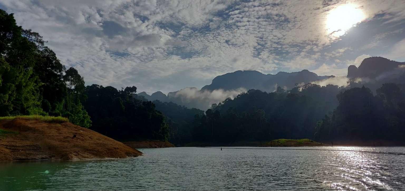Cheow Lan Lake, clouds and sunbeams