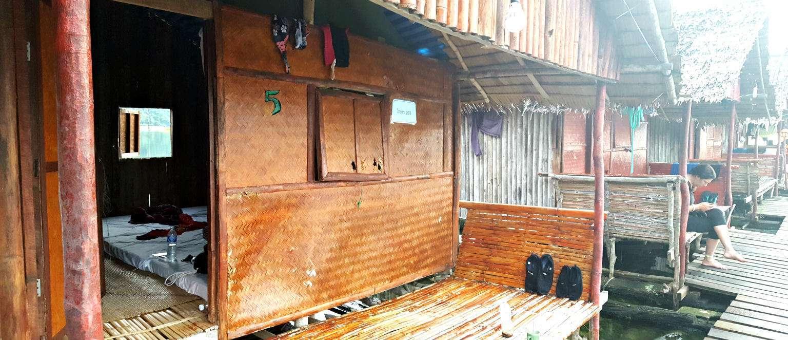 Cheow Lan Lake basic drijvende hutjes, Khao Sok
