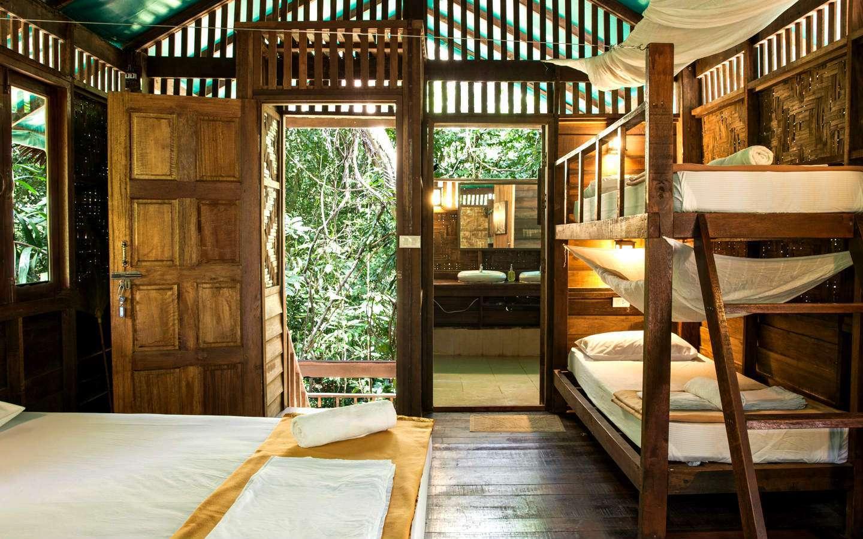 Familiekamer met stapelbedden in Khao Sok