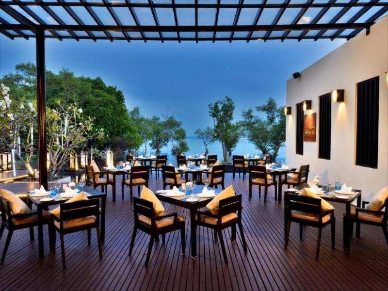 Het restaurant van het Bhu Nga Thani Resort