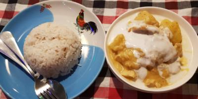 De Lekkerste Massaman Curry Met Witte Rijst Krijg Je Bij Pawn's Restaurant In Khao Sok, Thailand