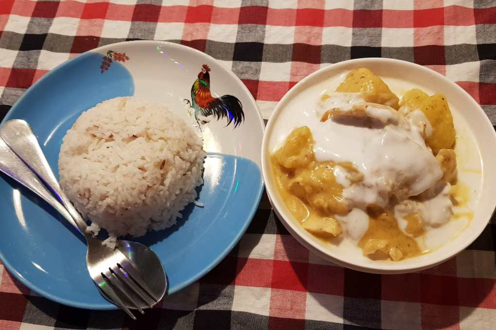 The most delicious Massaman curry with white rice is available at Pawn's Restaurant in Khao Sok, Thailand.