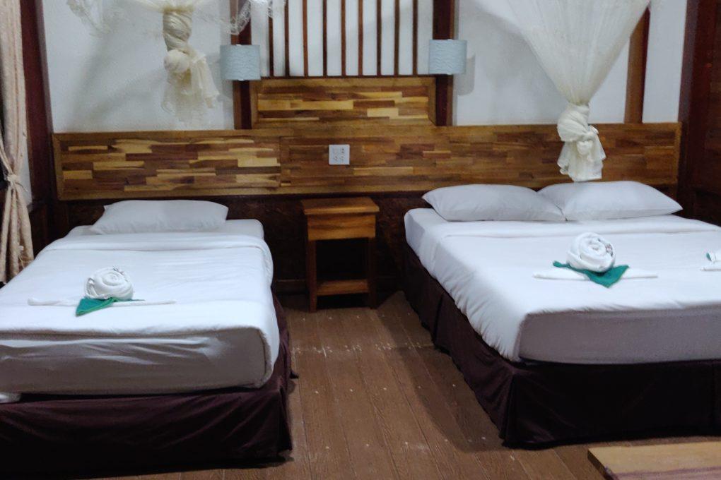 De driepersoons boomhut van het Khao Sok Nature Resort