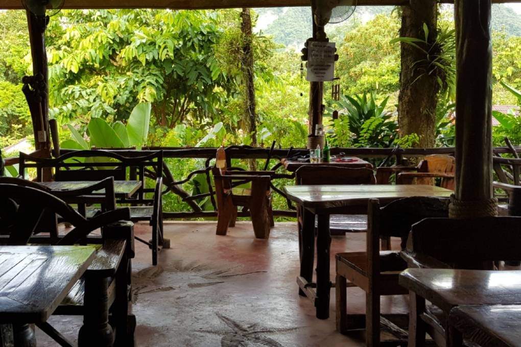 Het Misty Restaurant van het Khao Sok Morning Mist Resort