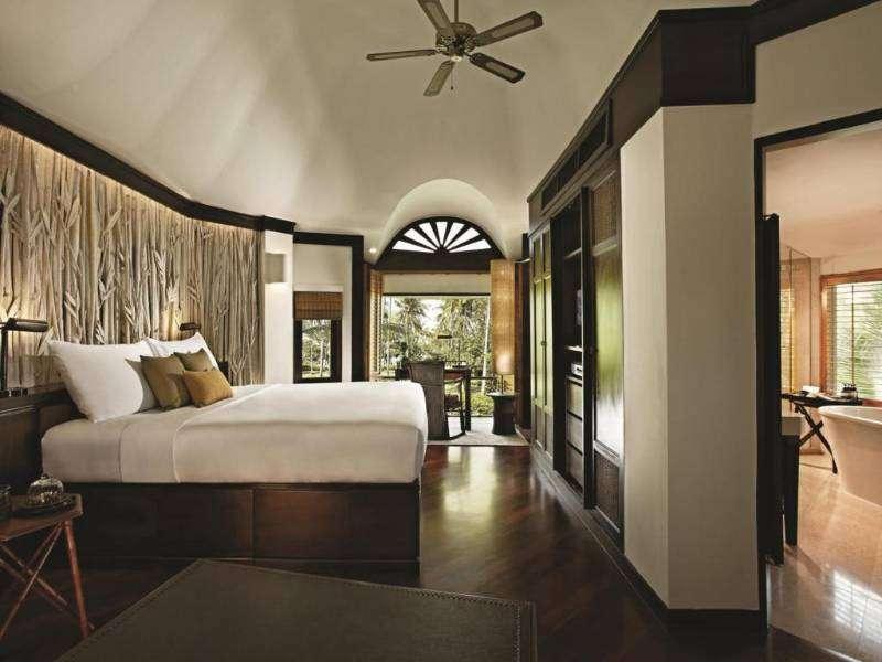 De slaapkamer van een bungalow van Rayavadee