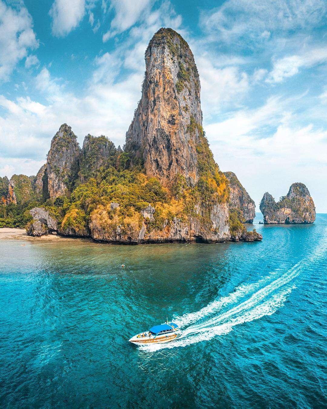 Speedboot en Krabi Railay Beach vanaf de lucht