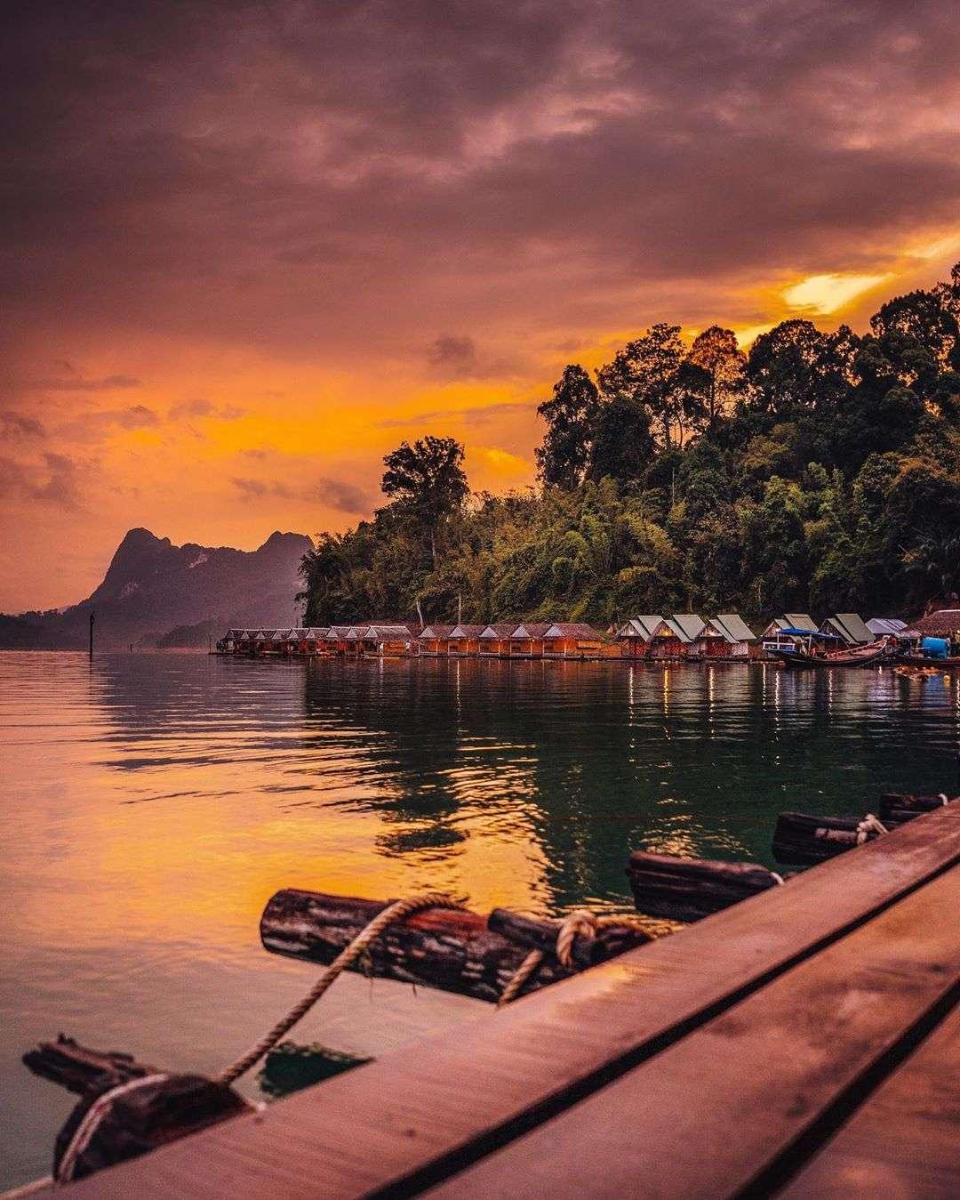 Rafthouses op het Cheow Lan Lake