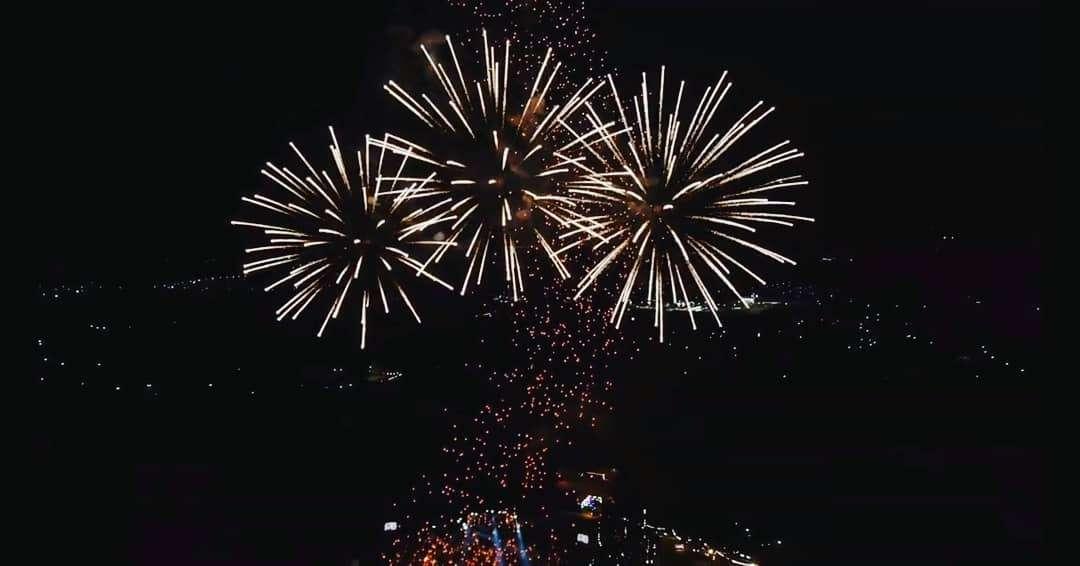 Groot vuurwerk tijdens het Yee Peng Festival 2019