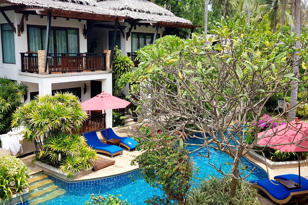 Swimming pool and sunbeds, Railay Village Resort