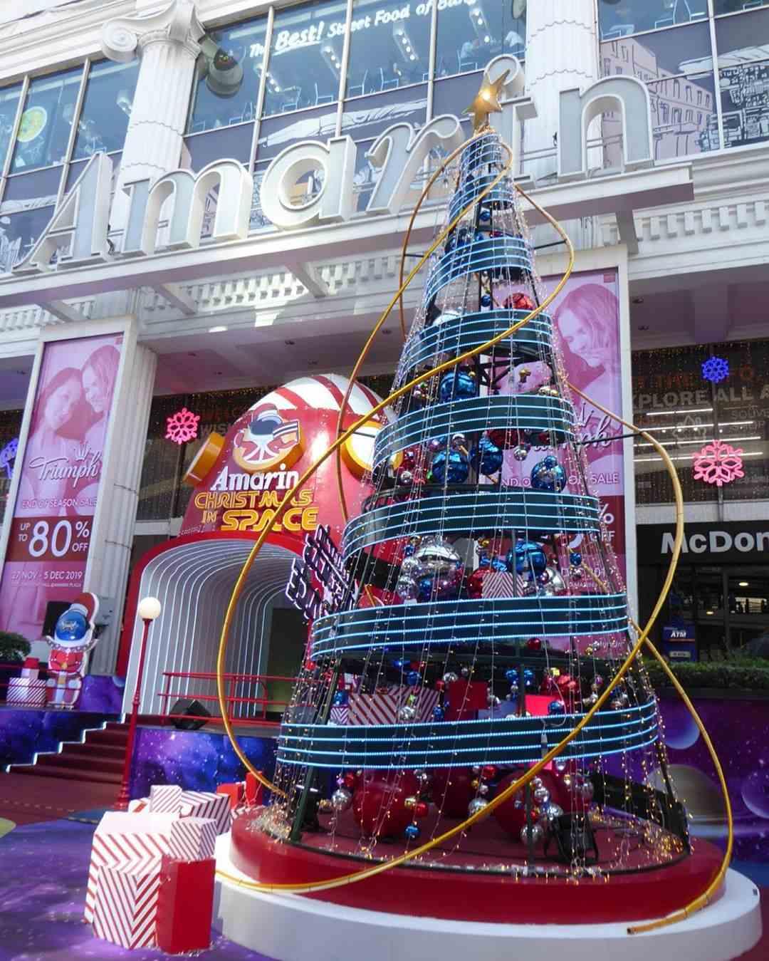 Kertsboom van de toekomst bij Amarin Plaza in Bangkok