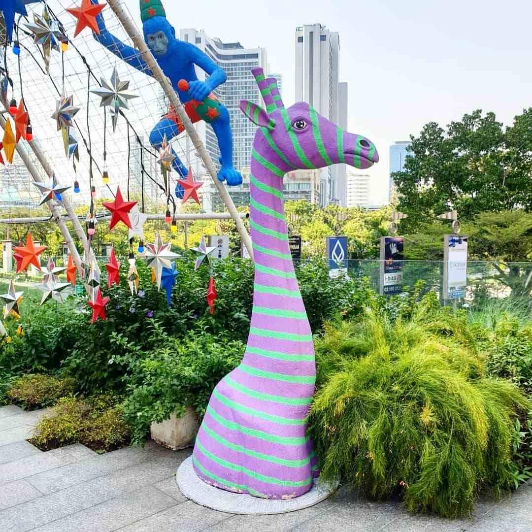 A weird giraffe as a Christmas decoration