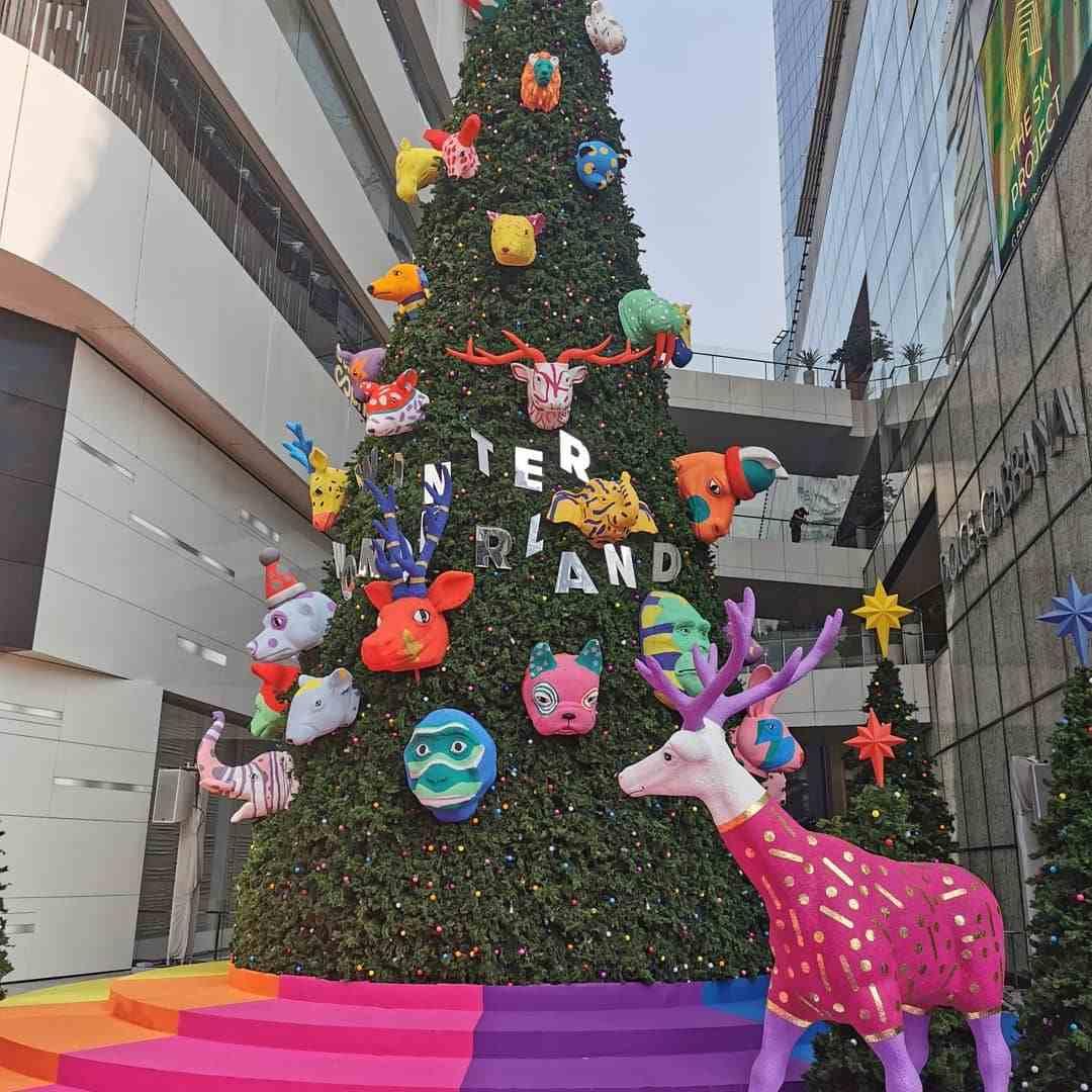 Gekke dieren als Kerstthema bij Emporium EmQuartier in Bangkok