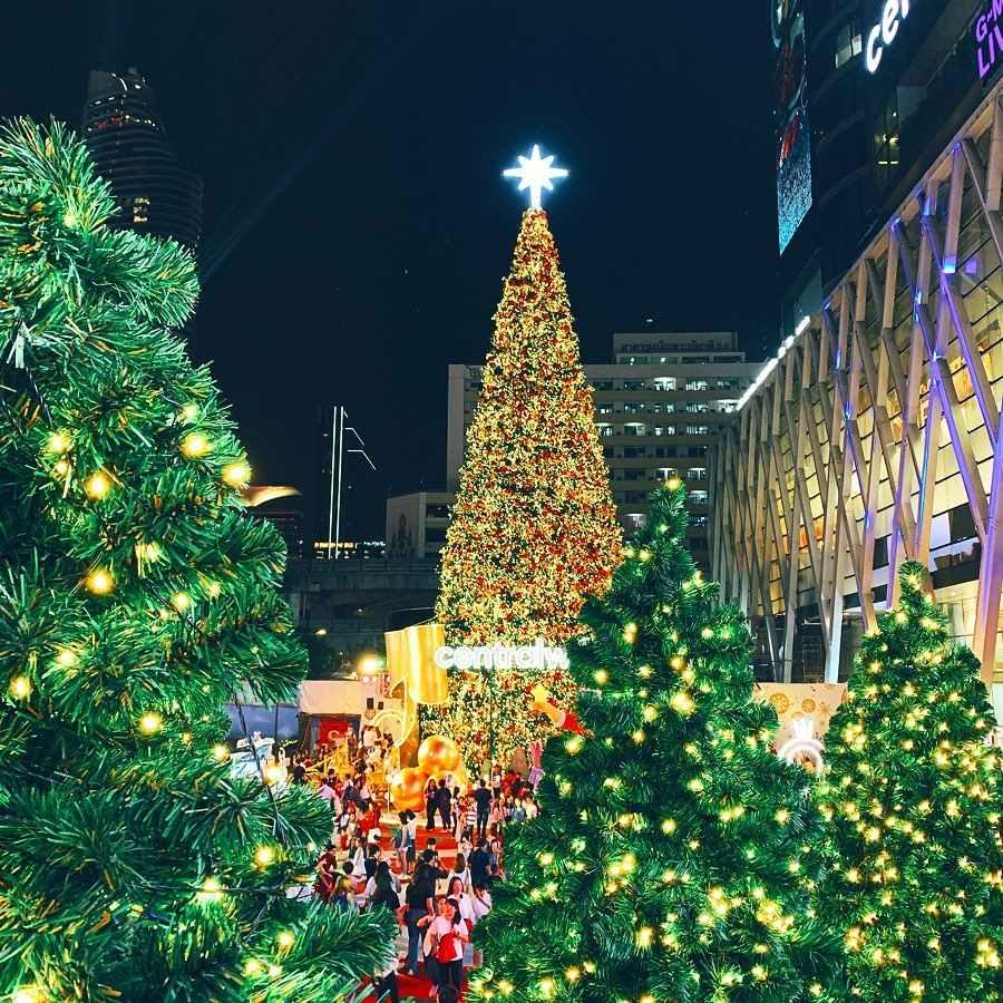 Mega grote Kerstboom bij CentralWorld met allemaal licntjes