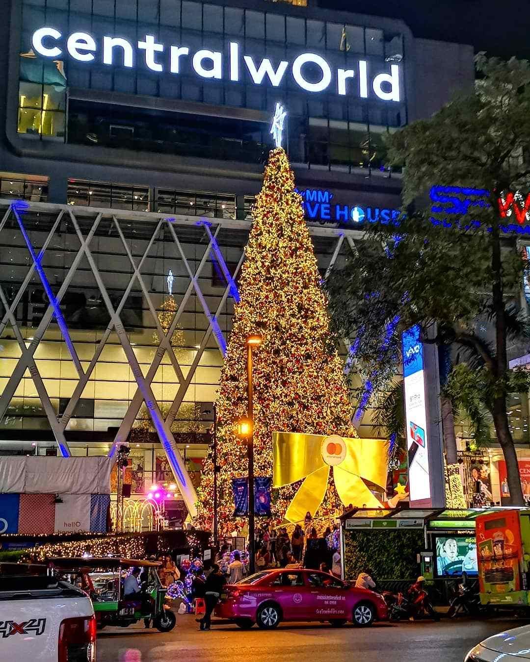 Kerstboom voor CentralWorld in Bangkok