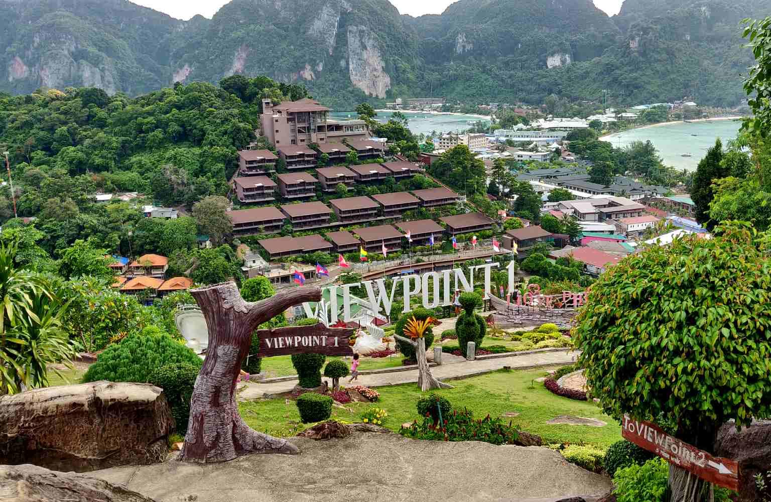 Phi Phi gezien vanaf het uitkijkpunt