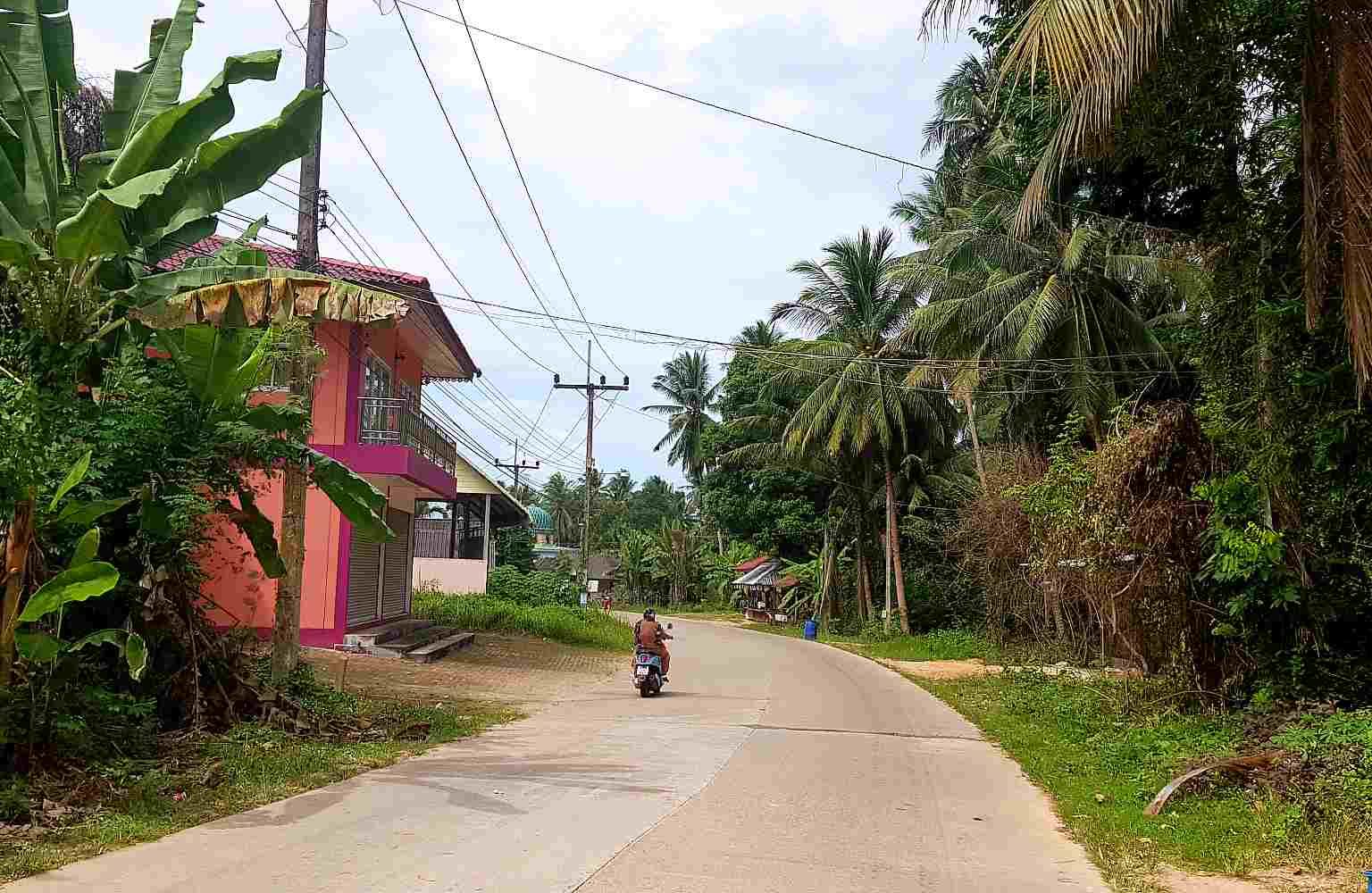 Koh Yao Yai, Scooter op rustige wegen