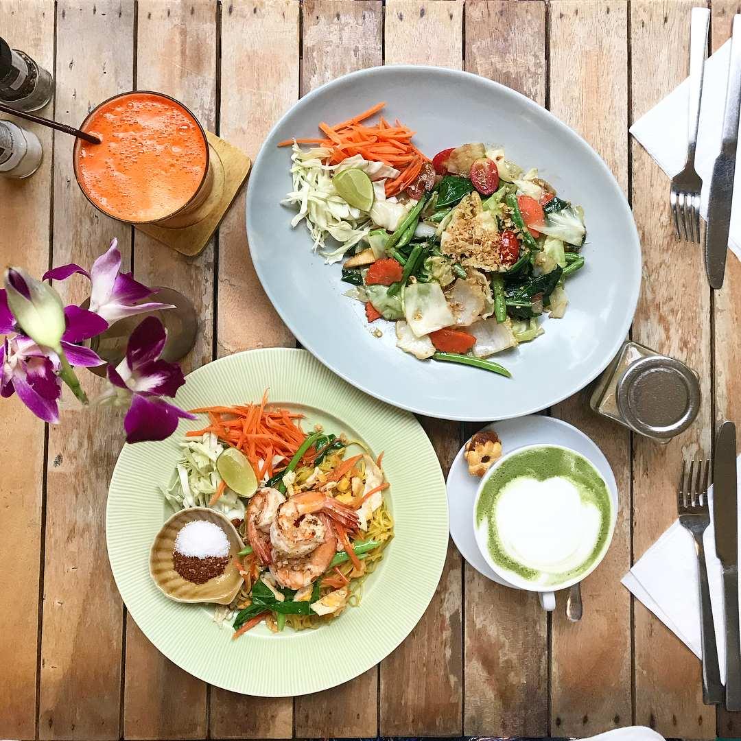 Healthy salads at Aroy Kaffeine in Koh Phi Phi