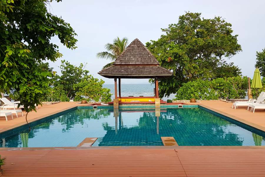 the pool of GLOW Elixir overlooking the sea of Koh Yao Yai