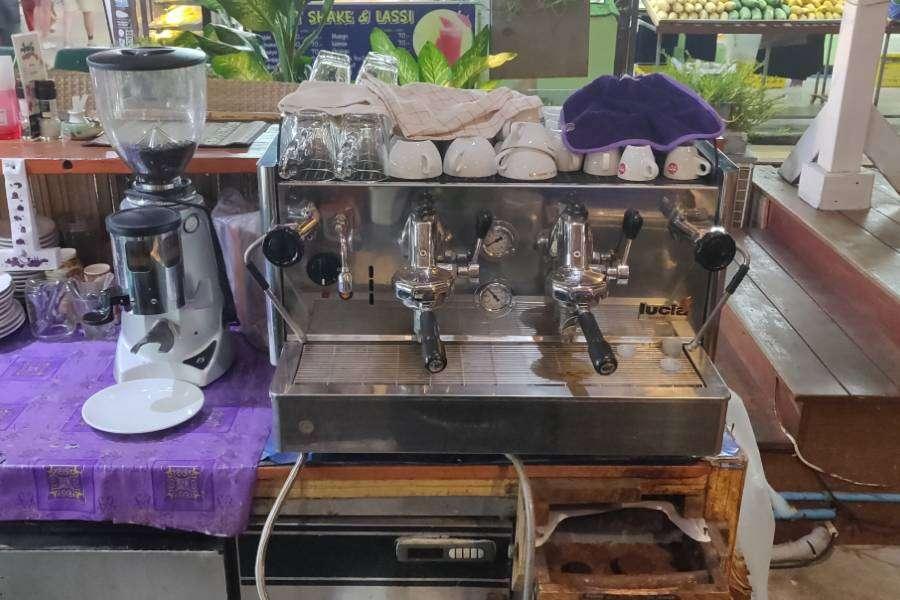 Goede espresso koffie machine ij Italiano Bar & Restaurant op Koh Phi Phi