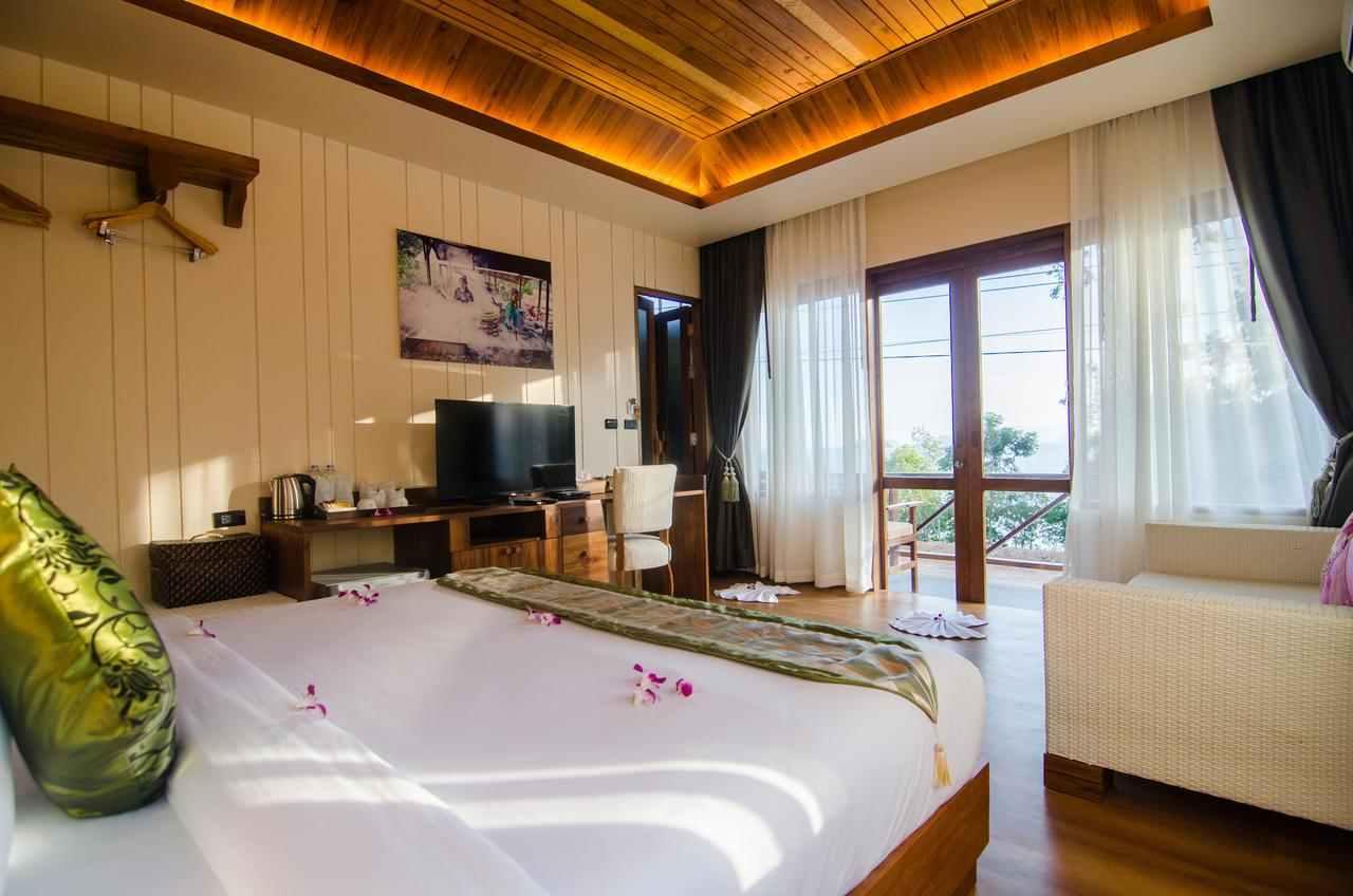 Ruime slaapkamer van het Koh Yao Yai Hillside Resort
