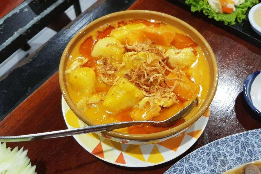Massaman Curry at P.P. Wang Ta Fu on Koh Phi Phi