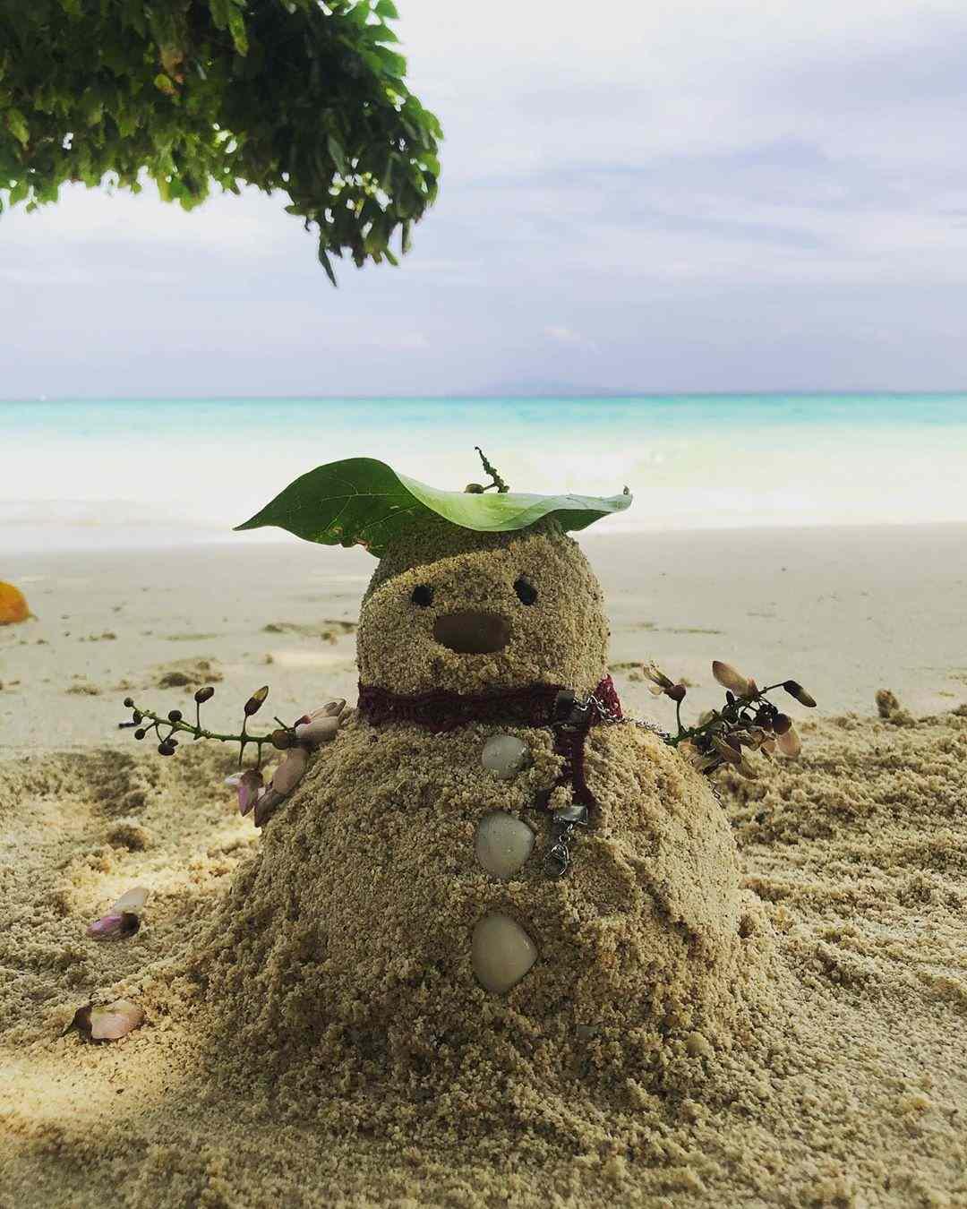 Sneeuwbpop van zand een zandpop dus