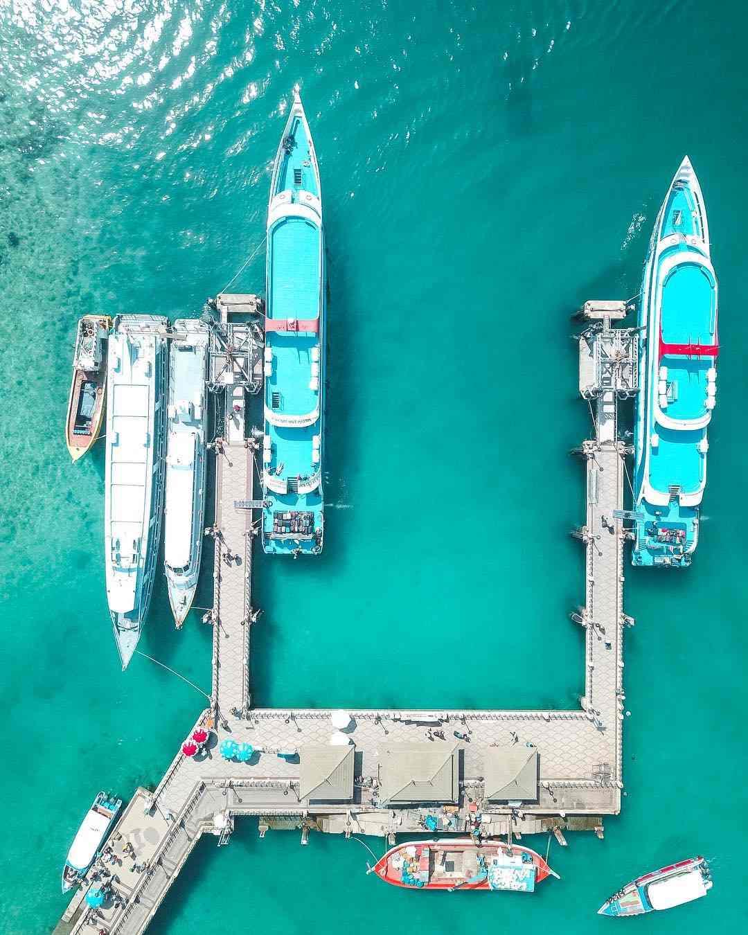 Ton Sai Pier op Koh Phi Phi vanaf een drone gezien