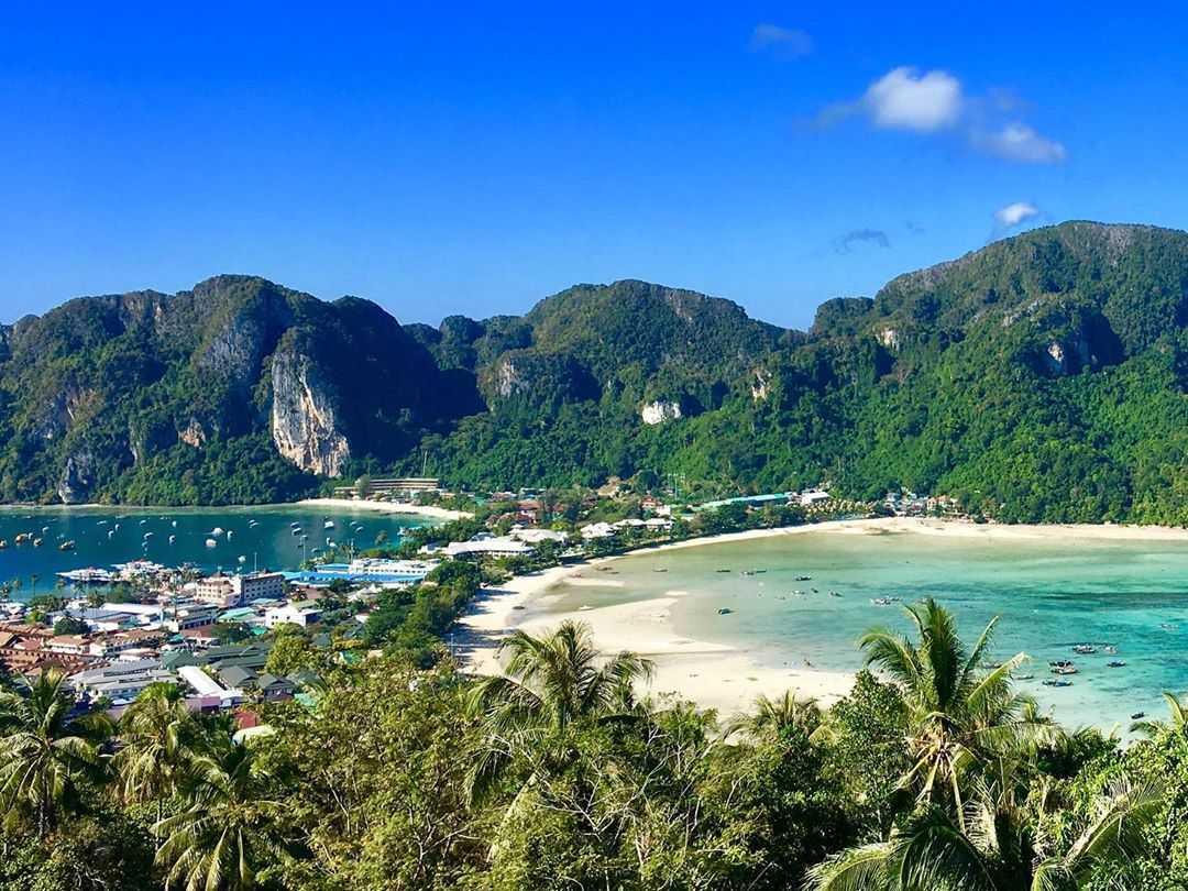 Uitzicht vanaf Phi Phi Viewpoint 2