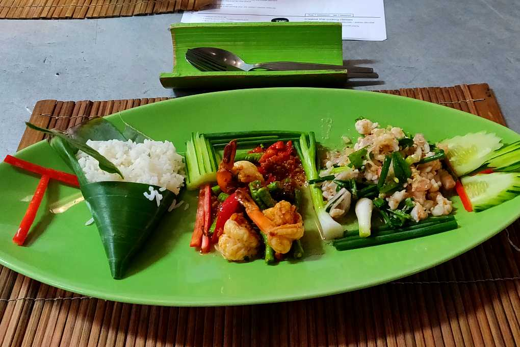 Plate with homemade dishes made during the cooking class at Koh Lanta