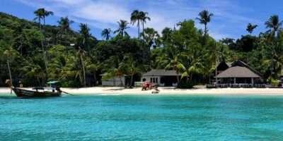 Laem Tong Beach, Hagelwit Strand En Kristalheldere Zee