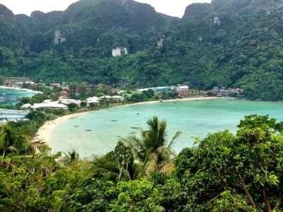 Loh Dalum Beach, Beach On Koh Phi Phi
