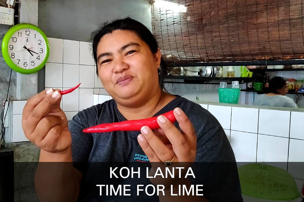Cooking course Koh Lanta, cook with red peppers at Time For Lime