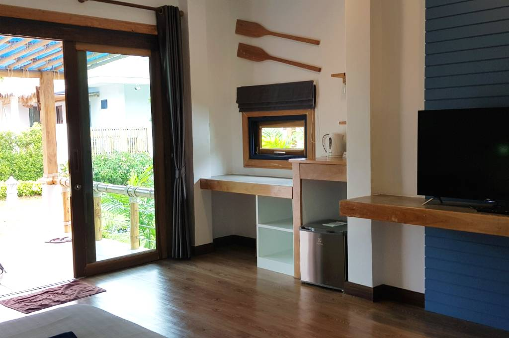 Deluxe Villa with TV and minibar from the Lanta Casa Blanca resort on Koh Lanta