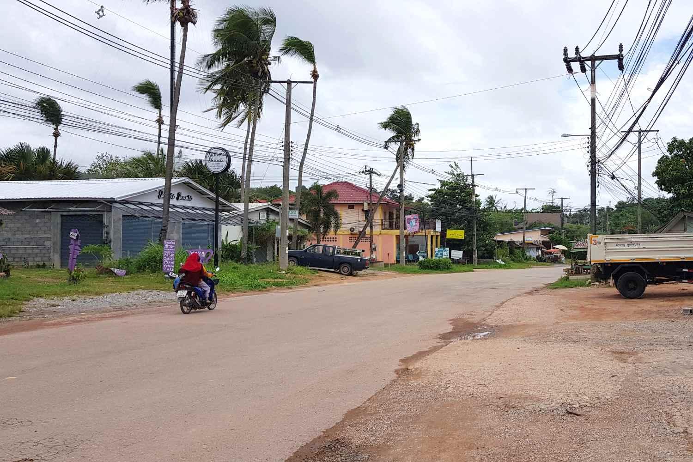 The main road of Koh Lanta located at the Lanta Casa Blanca Resort