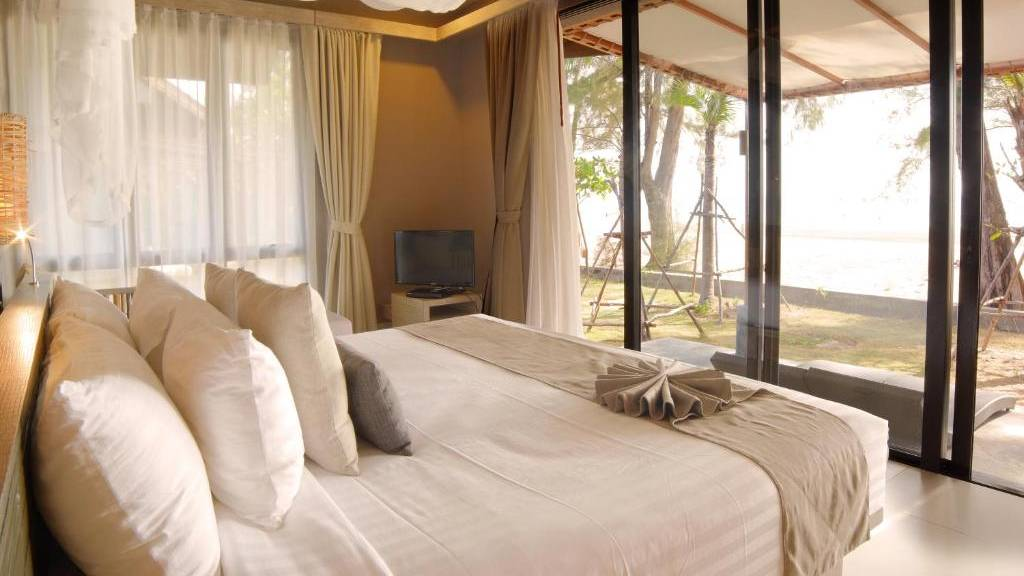 Bungalow overlooking the beach of Twin Lotus Resort & Spa, one of the best luxury resorts on Koh Lanta