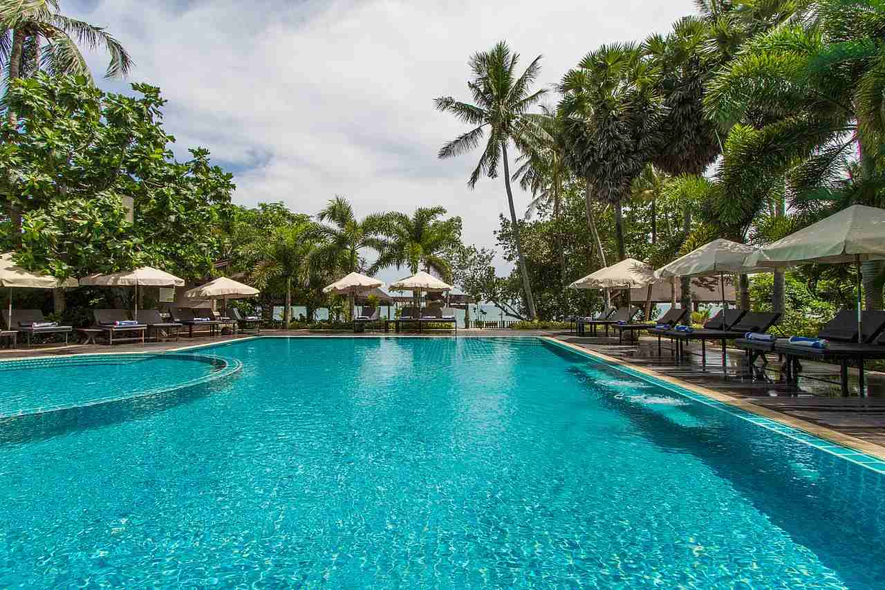 Ao NUi Beach Hotel with pool at the beach Koh Lanta