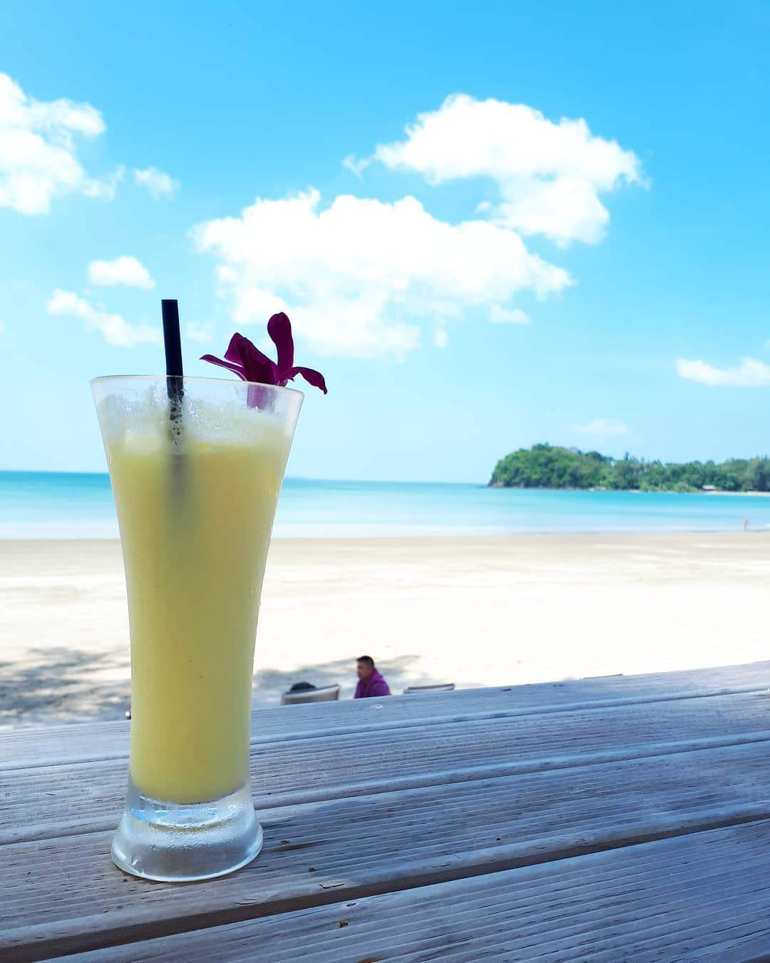 Cocktail by the sea on Koh Lanta