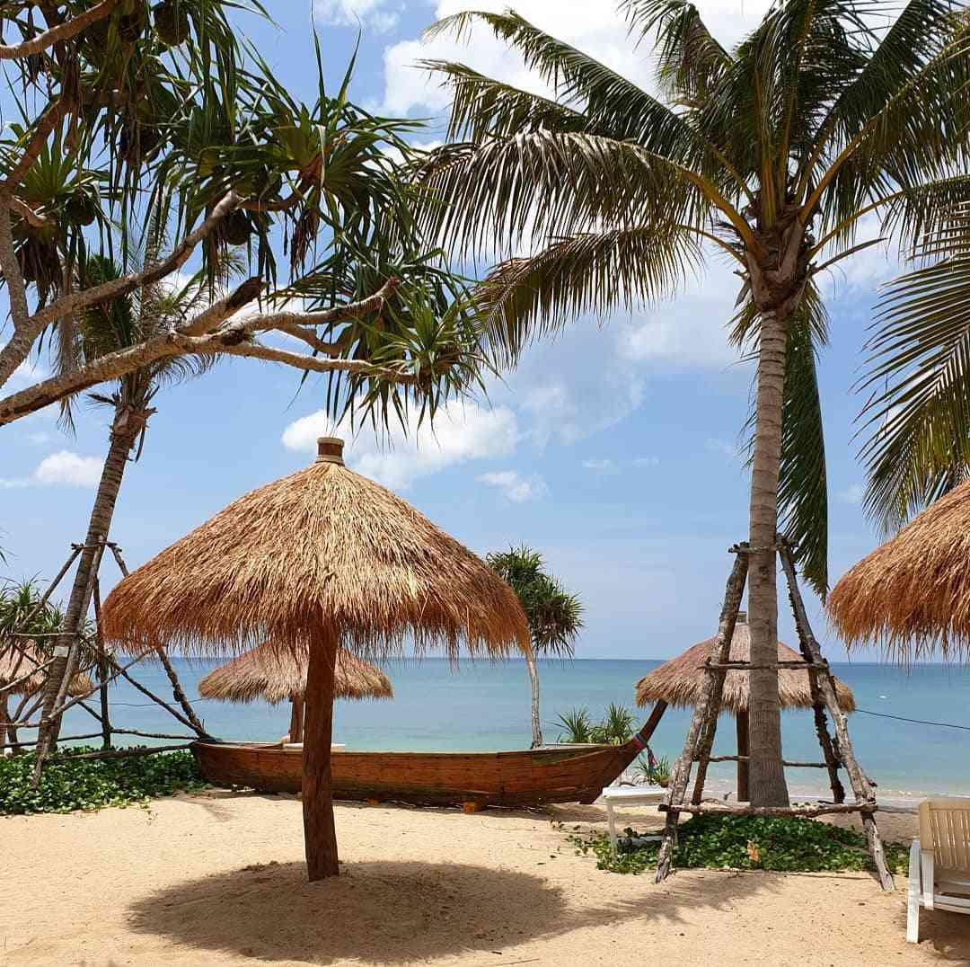 Relax Beach, het strand waar Lanta Casa Blanca aanligt