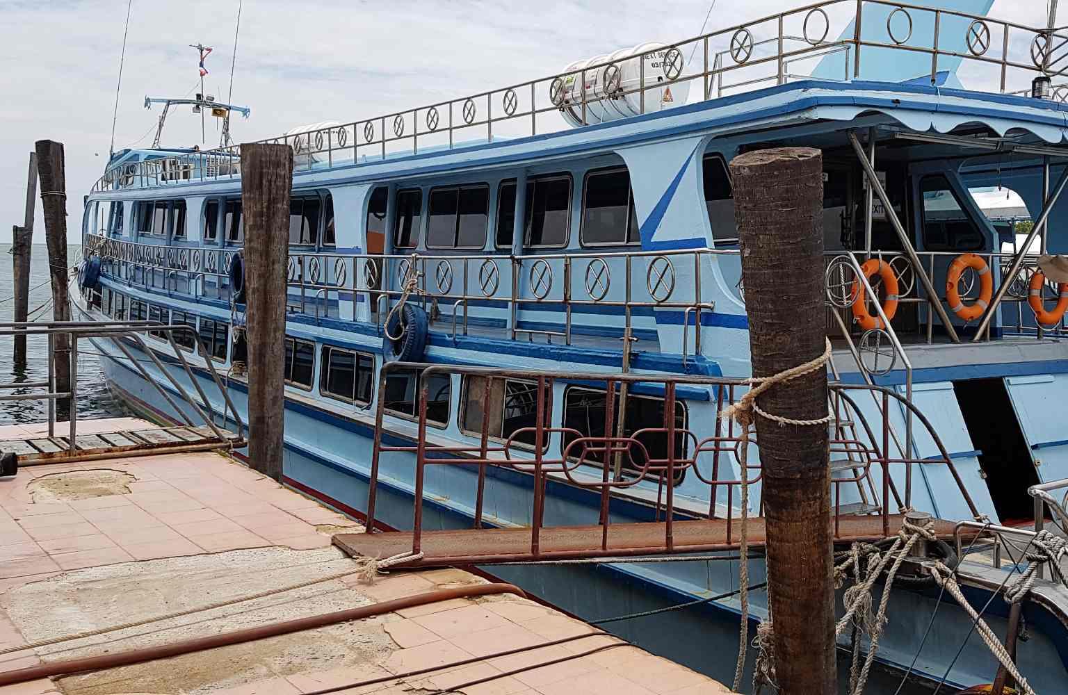 Saladan Pier, aankomst boot