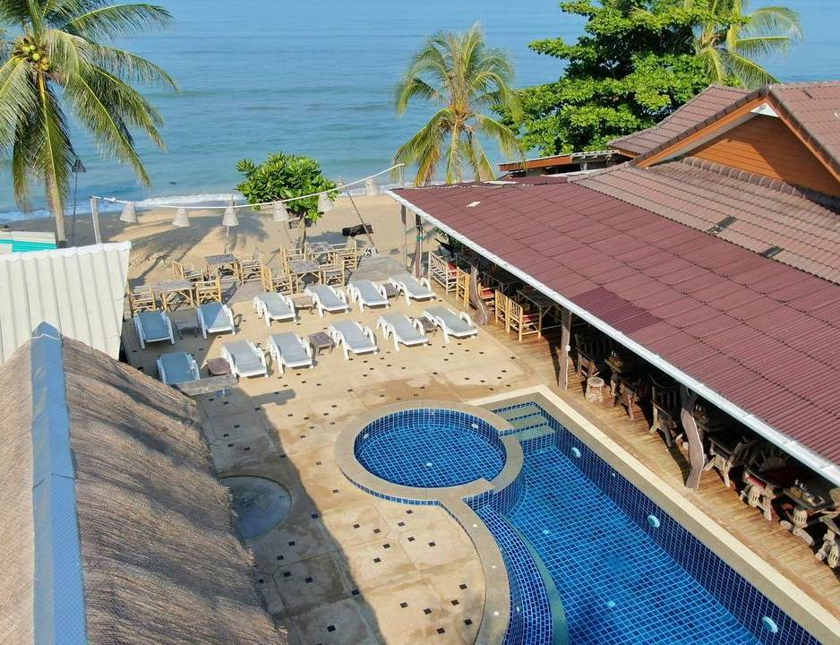 Budget resort aan het strand op Koh Lanta