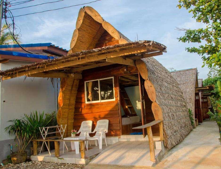 Slapen in bungalow aan het strand van Klong Khong Beach