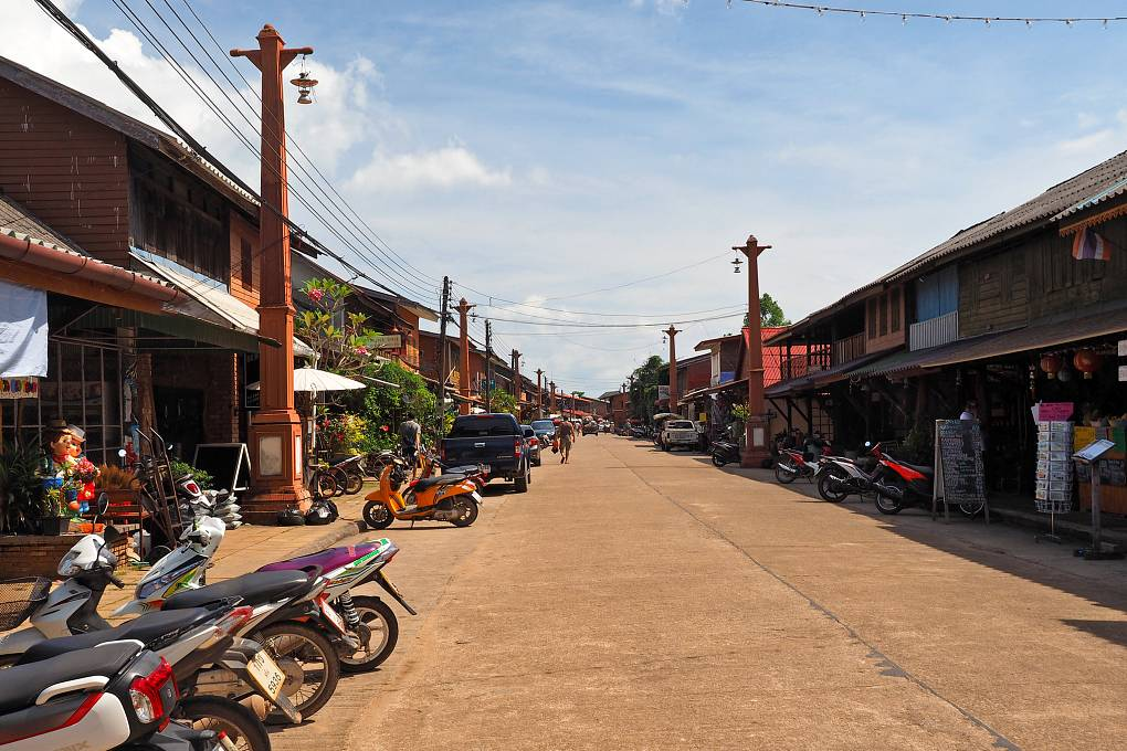 Koh Lanta Old Town, winkelstraat met restaurants en shops