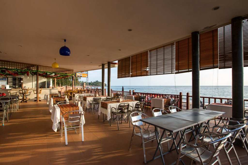 Restaurant with sea views from the Lanta Casuarina Beach Resort. one of the best cheap places to sleep on Koh Lanta.