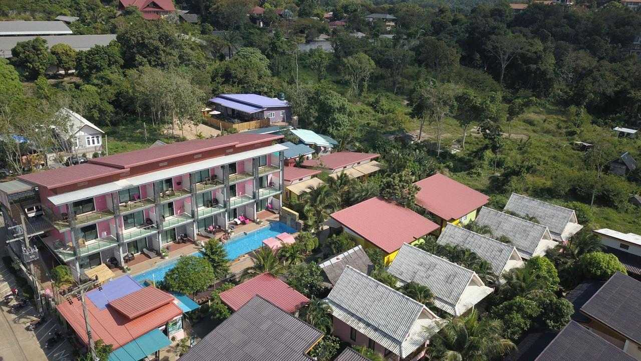 Aerial photo of the Pinky Bungalow Resort, one of the best cheap places to sleep on Koh Lanta