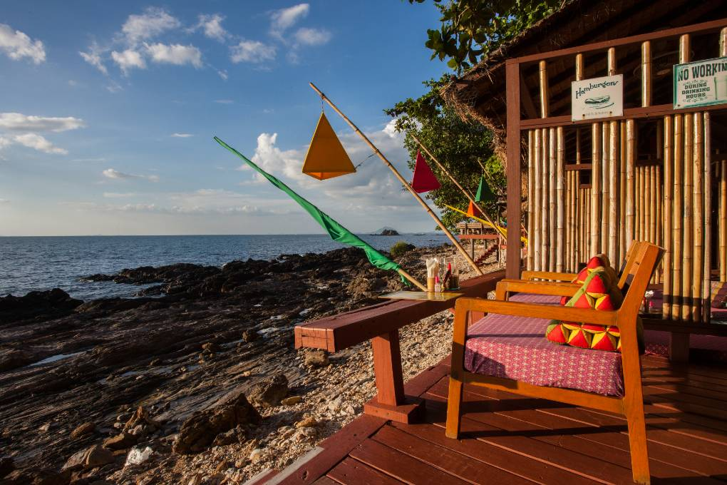 Eat and drink cocktails overlooking the sea at The Reggae Bar on Koh Lanta, one of the best restaurants on koh lanta!