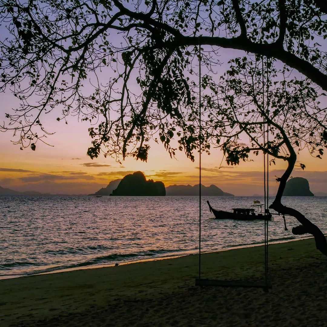Zonsondergang gezien vanaf Koh Ngai