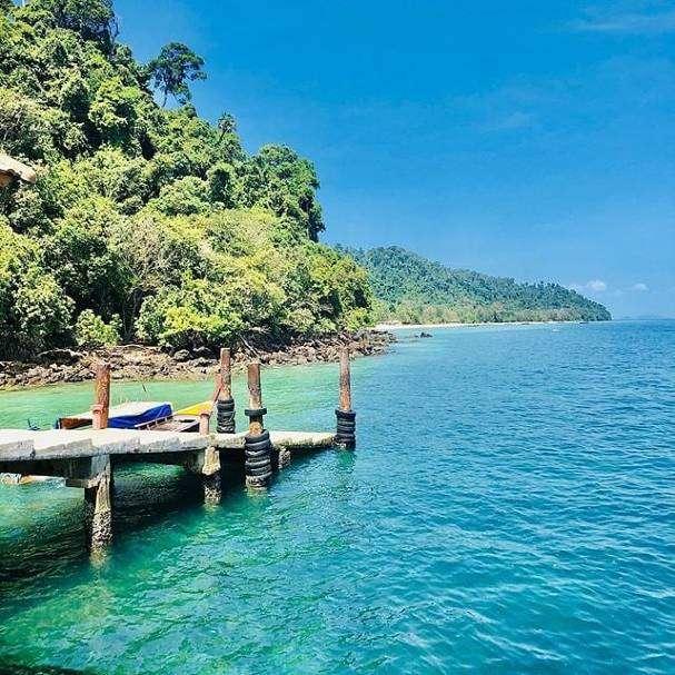 Pier op Koh Kradan in het zuiden van Thailand