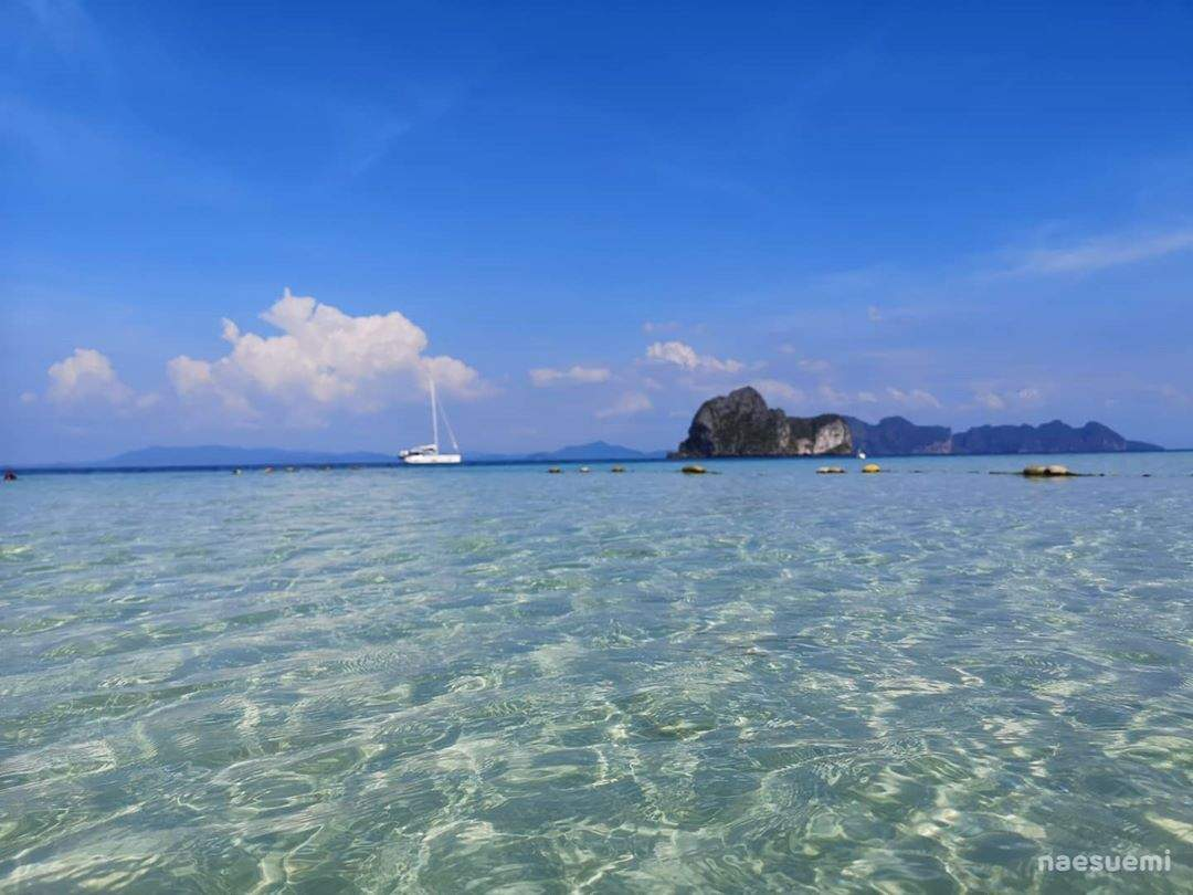The clear blue Andaman Sea for Koh Ngai
